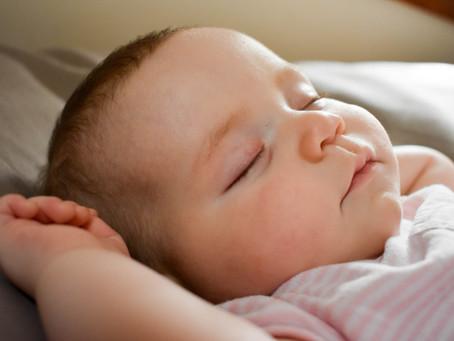 寶寶的鼻子小易鼻塞