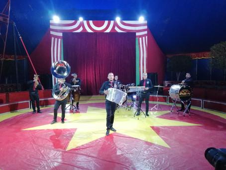 Graban en el CIRCO más Grande y Famoso nuevo video de R Siete