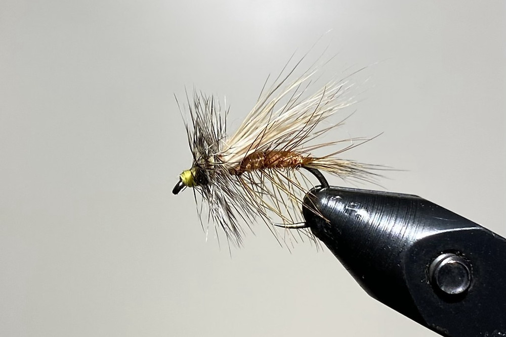 stimulator dry fly pattern in vise