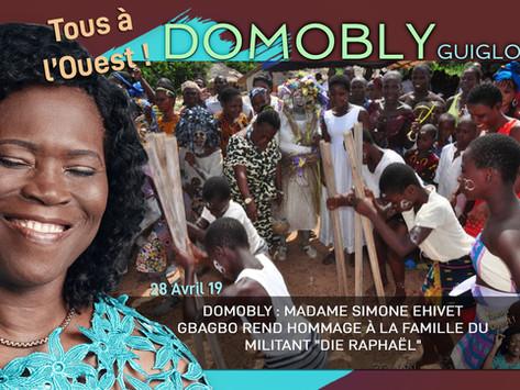 "DOMOBLY : MADAME SIMONE EHIVET GBAGBO REND HOMMAGE À LA FAMILLE DU MILITANT ""DIE RAPHAËL"""