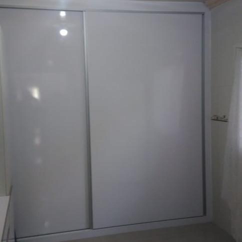 Guarda roupa em Branco Cristallo (Laca)