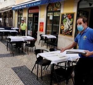 Reasignación de espacios públicos para el uso del comercio local.