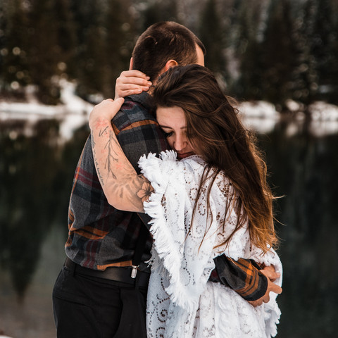 adventure-elopement-washington-snow-27.j