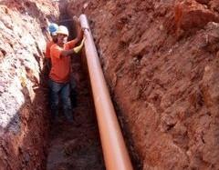 Mais de 1.500 metros de rede de esgoto é substituída em Santo Antônio do Leite