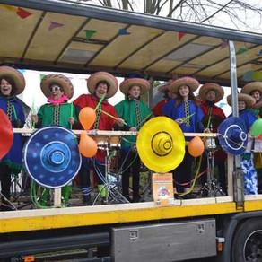 Afslag Ulicoten bij de carnavalsoptocht in Haaikneuterslaand