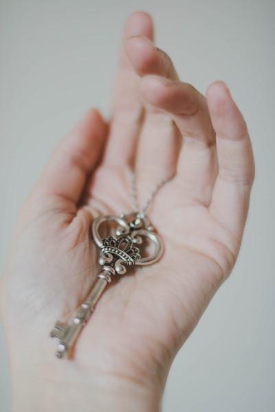Key_in_hand
