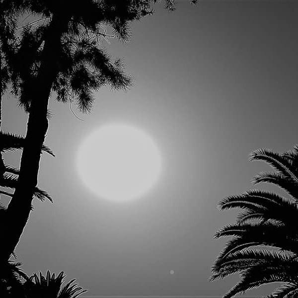 solar-eclipse-in-Canary-Islands-or-Sunmoon-photo-credit-Georgia-Mihalcea