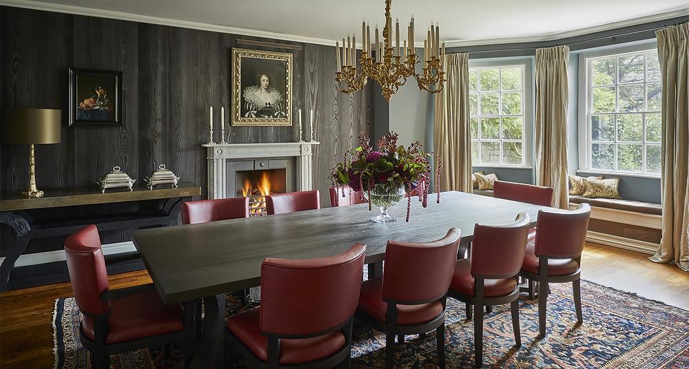 Classic diningroom.