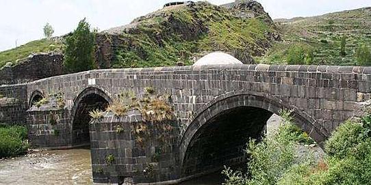 Kars taş köprü