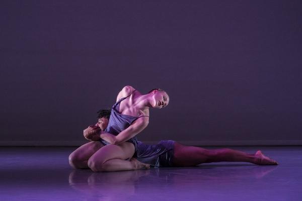 ambert dancers in PreSentient, by Wayne McGregor. c Johan Perssonn