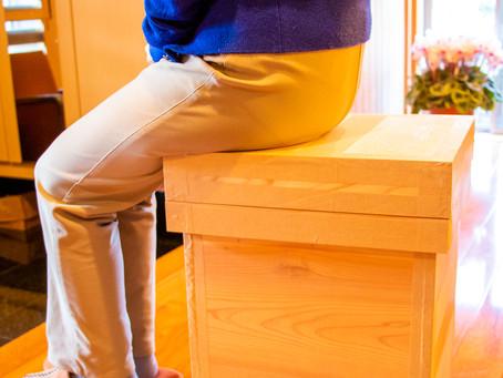 クッション付の椅子茶箱