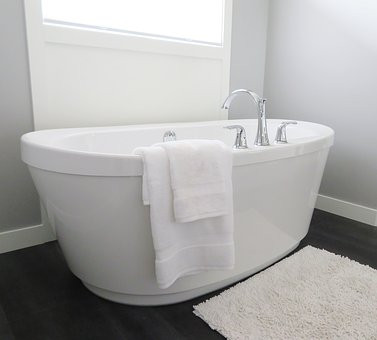 Could You Benefit from a Warm Bath?