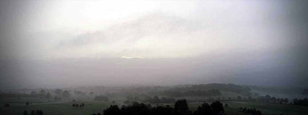 Ein wundervolles Bild im Morgengrauen, vom Golfclub Dreibäumen.