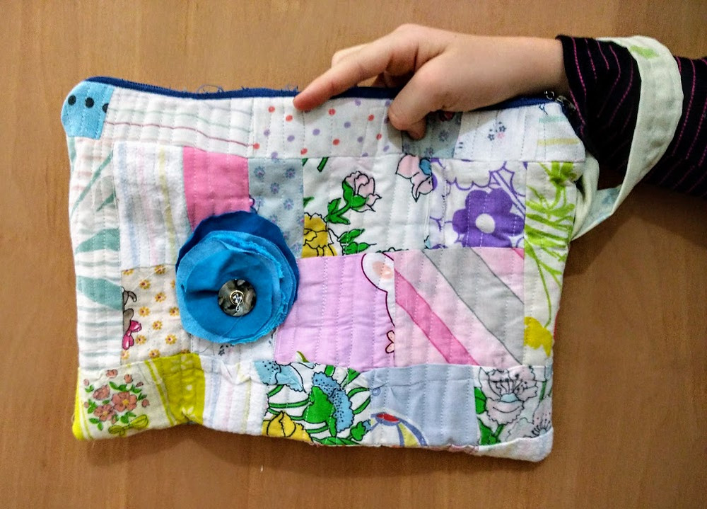 Padded quilted pouch