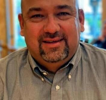 Fallece Ernesto Benavides, amigo de Casanicolás