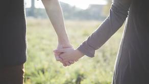 손은 감정과 욕구를 직설적으로 표현한다.