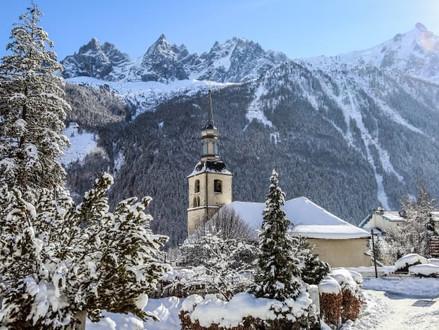 Snow Adventures - Winter in Chamonix