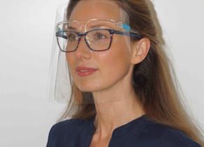 Schutzvisiere verhindern häufigen Hand-Gesicht-Kontakt
