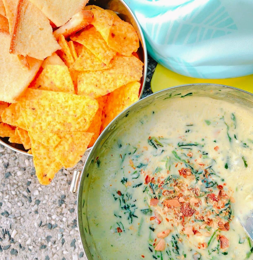 Toasts and Nachos with Cream Spinach Dipping