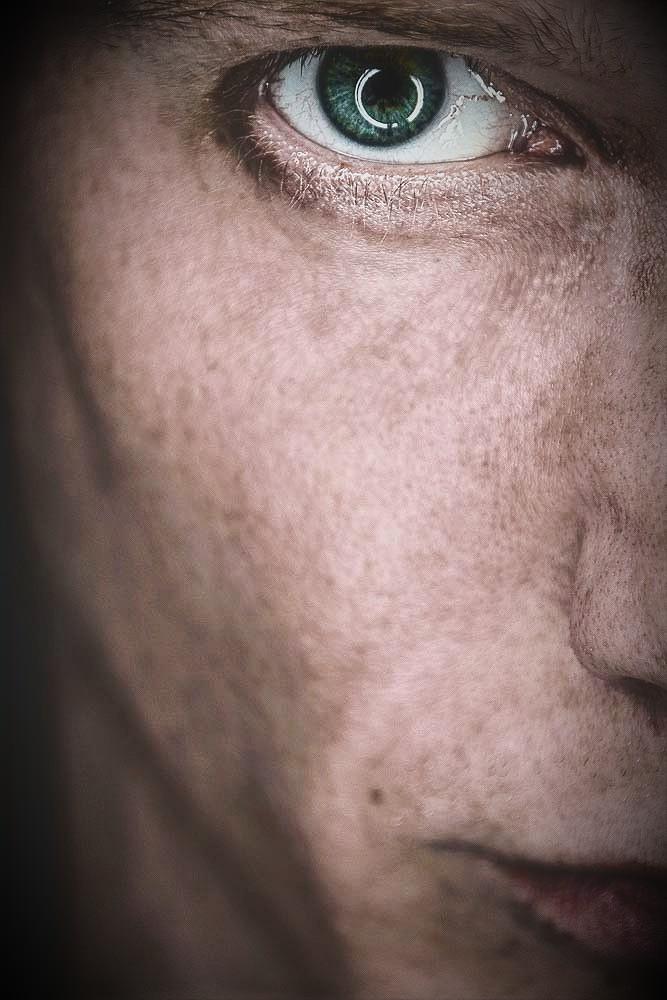 Foto Jut Is Auge Selbstportraet Selfie Ringlichtreflektion Lippen Nase Mund Wange