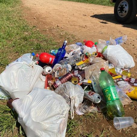 Descarte irregular de lixo no interior é uma triste realidade