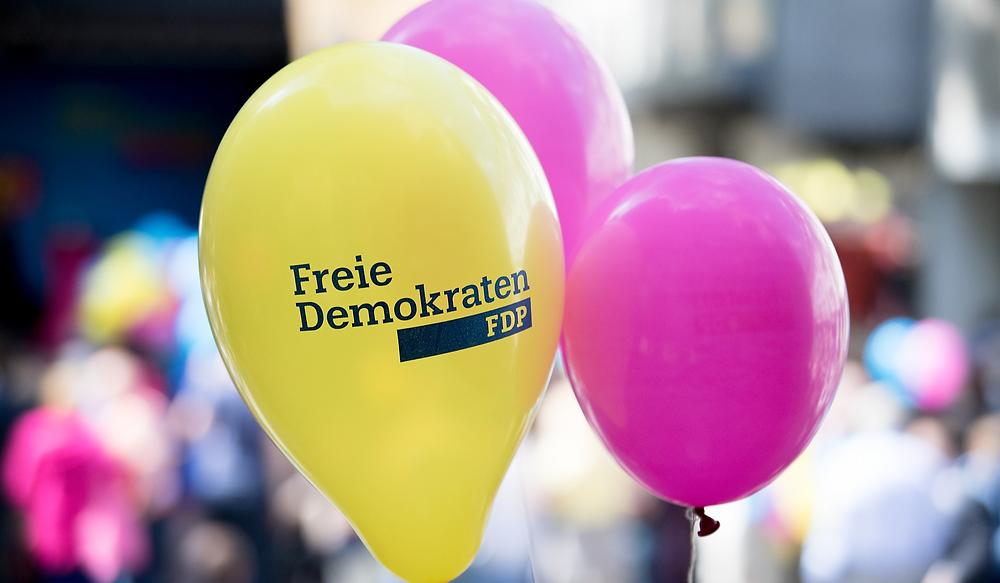 Ballons mit Aufdruck der FDP