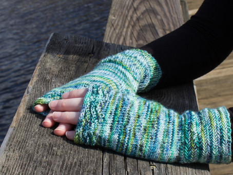 Along the Shores Fingerless Mitts Knitting Pattern: Yarn Recommendations