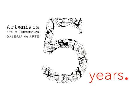 5 años de Artemisia