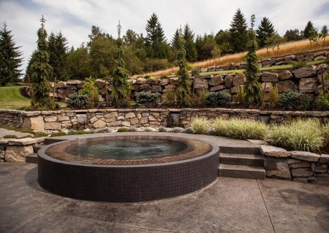 4 Things You Need to Know Before You Get a Hot Tub