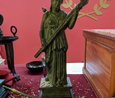 Hekate in the Greek Tradition