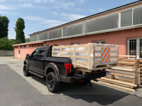 Overnight equipment delivery from Italy to Holland