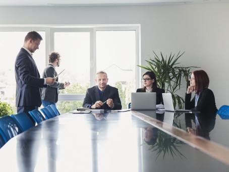 الصفات العشر للموظف المثالي
