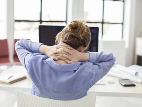 11 Signs Your Upper Back Pain Is Serious Trouble