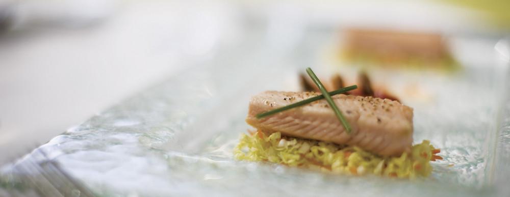 Pavé de saumon sur son lit de légumes