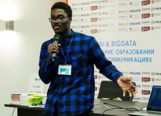 """L'intelligence artificielle en Afrique: 'j'ai appris à un bot à lire les sms de ma mère"""""""