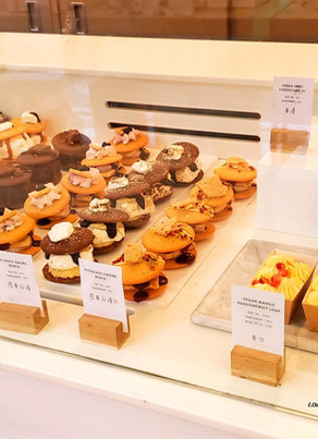 Where to go for Vegan desserts in Soho for under £5 (shop til you drop and eat for cheap)