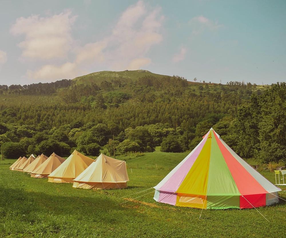 Campamentos de verano en inglés NewPa Summer Camps bell tents