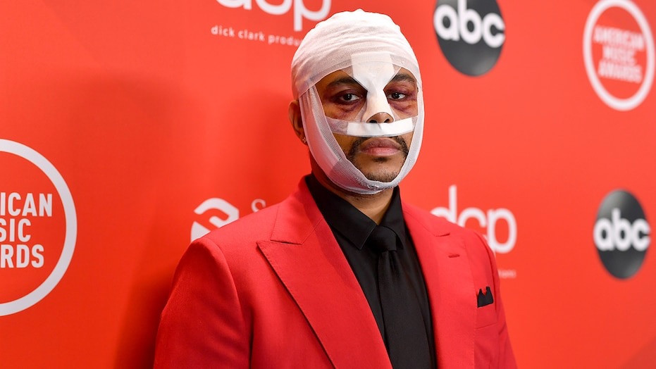 The Weekend's Face at AMAs Sparks Concern