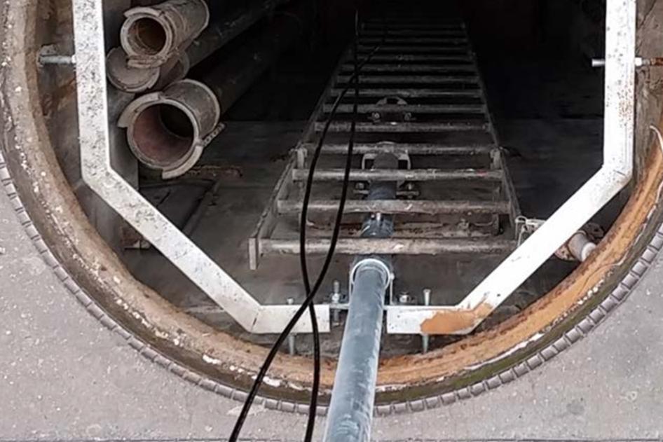 Elios 1 dapat melakukan inspeksi dengan baik pada area tertutup yang memiliki keterbatasan untuk diakses oleh para Inspektor, salah satunya adalah area pipa gas
