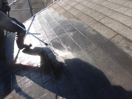 三芳町で屋根塗装工事が始まりました!!