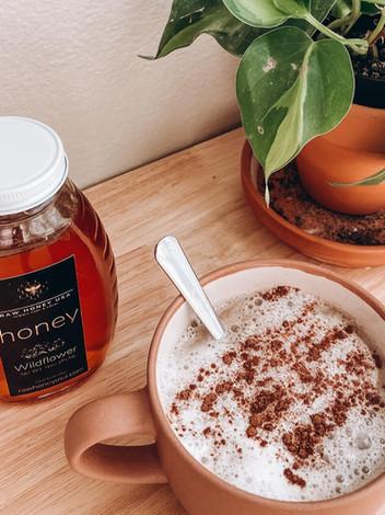 The Benefits of Raw Honey & A Honey Latte Recipe