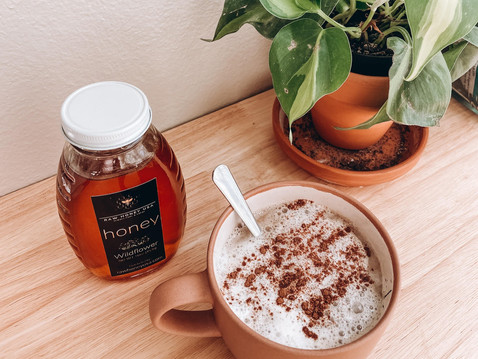 The Benefits of Raw Honey & A Honey Latte Recipe