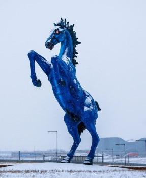 Escultura del Caballo azul en el aeropuerto de Denver
