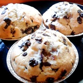 Muffin con Uva, Cioccolato e Rosmarino