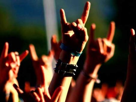 El verdadero significado de la señal de los 'cuernos rockeros'