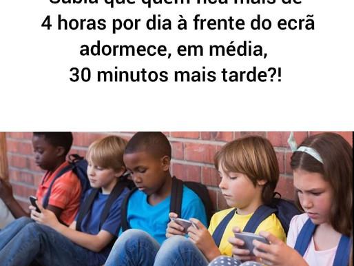 Que ligação podemos encontrar entre os direitos das crianças e o uso excessivo dos ecrãs?!