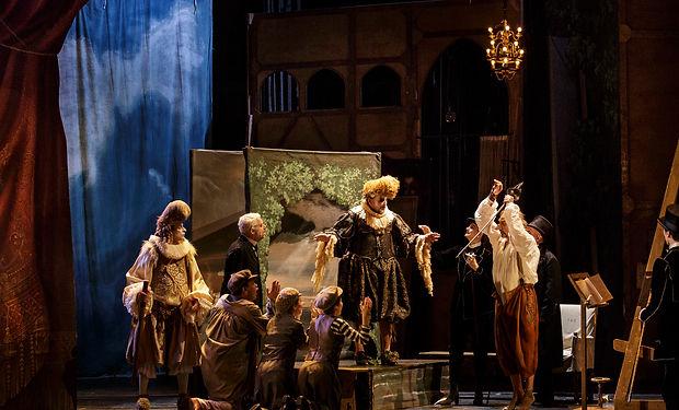 Сирано де Бержерак. Сцена из спектакля.