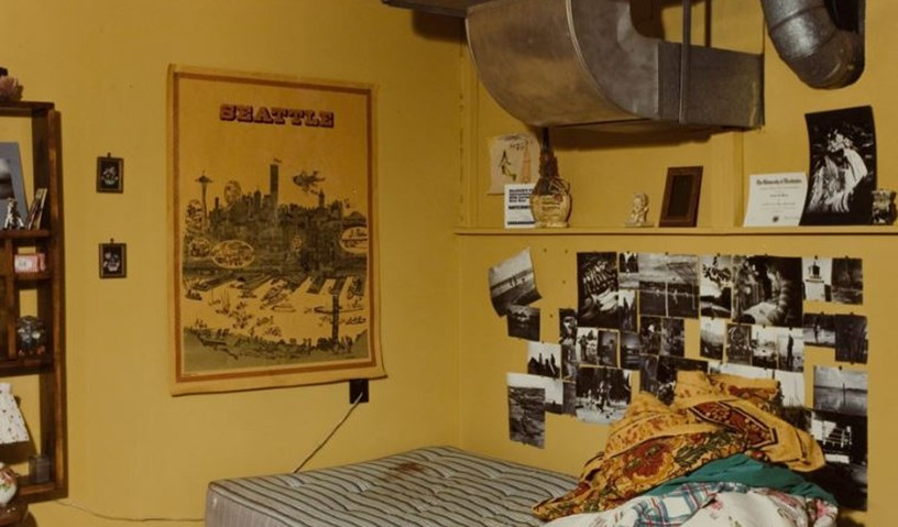 Crime scene photograph of the inside of Lynda Healy's bedroom.