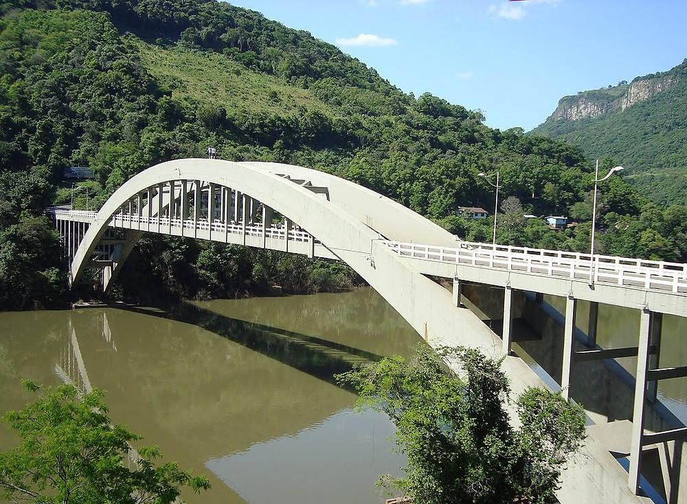 Ponte Ernesto Dornelles foi inaugurada em 31 de agosto de 1952