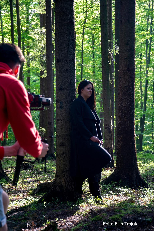 nagrywanie wokalu w lesie